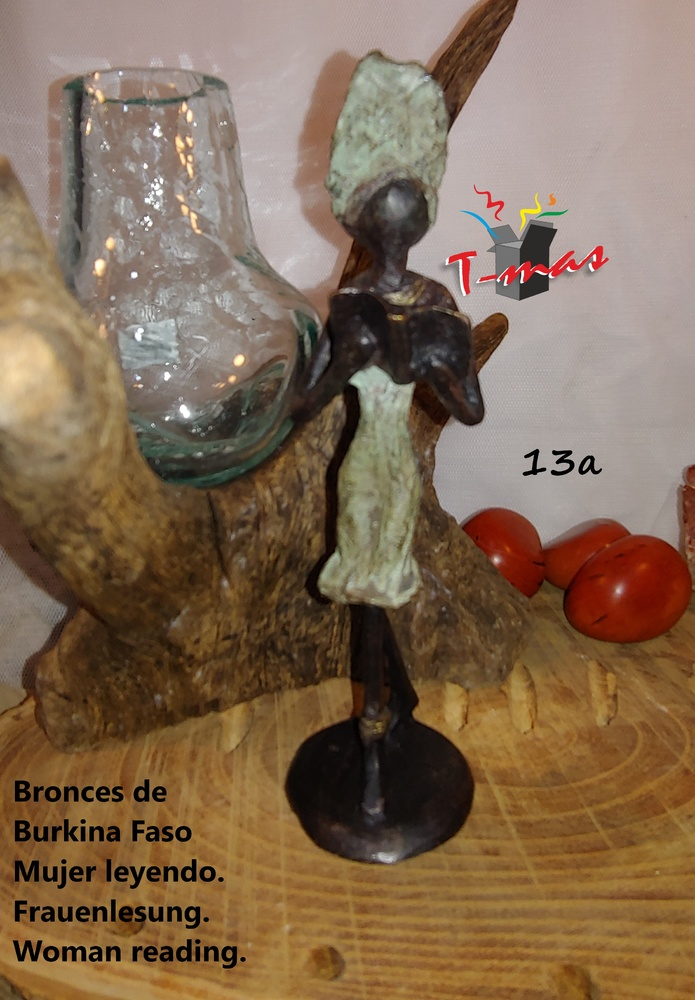 Afrikanische Frauenlesung - afrikanische Bronzen