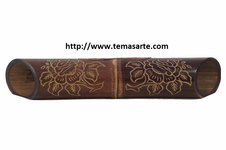 Altavoz artesanal con tallado