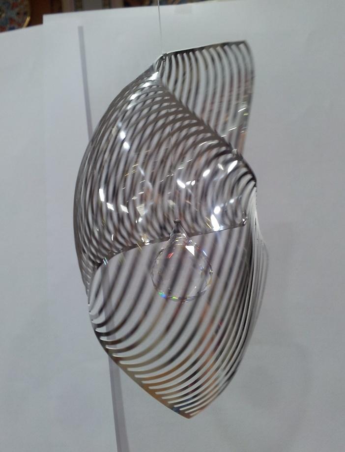 Concha espiral con bola de cristal