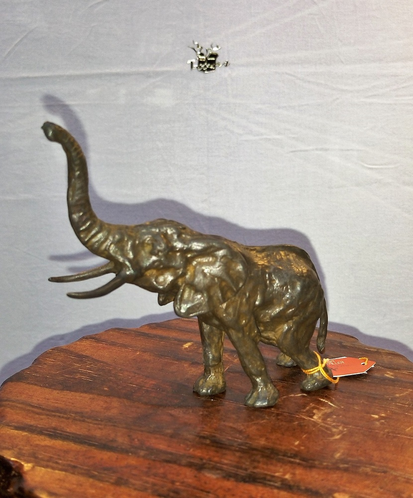 Estudio de Arte Moreno - Elefante de bronce