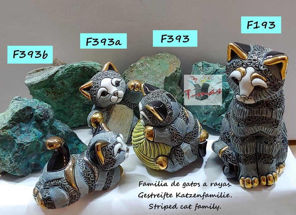 Familia de gatos a rayas - DeRosa Rinconada