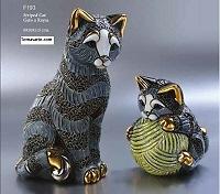 Family of striped cats - DeRosa Rinconada
