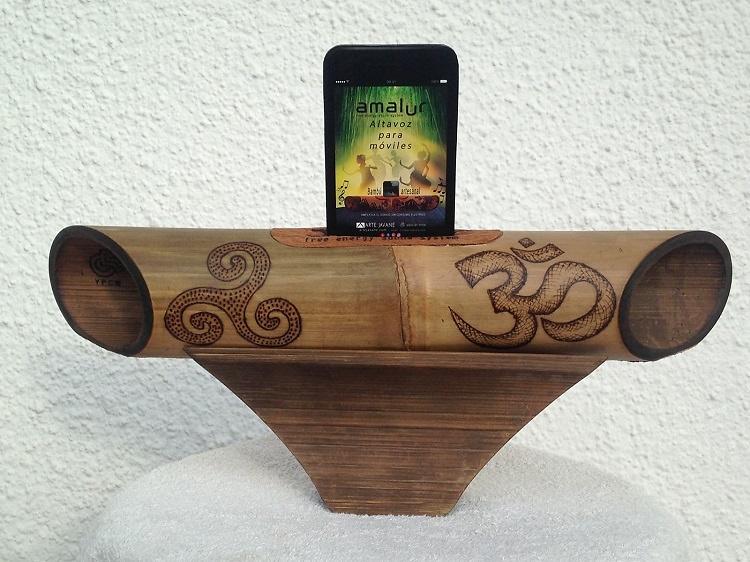 Speaker-bamboo-triskel-om-pyrography