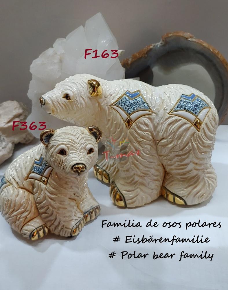 Polar Bear Family - Rinconada DeRosa