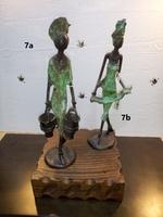 """Afrikanische Bronzefiguren - """"Frau mit zwei Eimer"""" und """"Frau mit Leinen"""""""